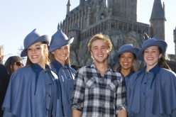 Tom Felton visits the Wizarding World of Harry Potter