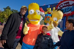 Blair Underwood hangs out with the Simpsons at Universal Studios
