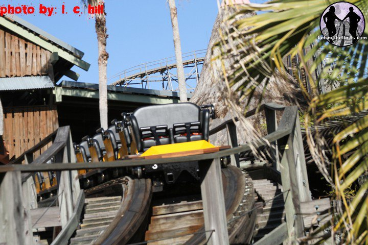 Behind The Thrills Gwazi Testing With Flyers Cheetah Hunt Update 1 19 11