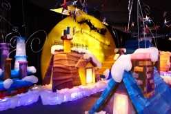 """Gaylord Palms has Christmas """"Unwrapped"""" with Cirque Dreams and Elf on the Shelf"""