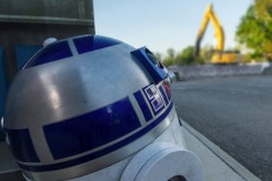 R2-D2 teases Star wars construction at Disney's Hollywood Studios
