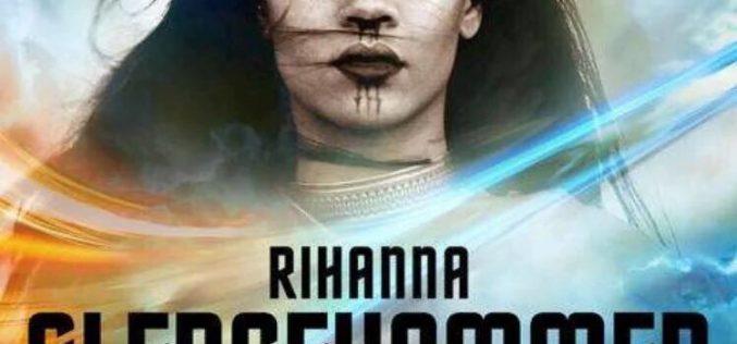 """Rihanna goes """"Beyond"""" in new Star Trek video for Sledgehammer"""