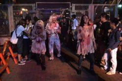 Video-Zombie outbreak at Universal Studios Japan's Halloween Horror Nights