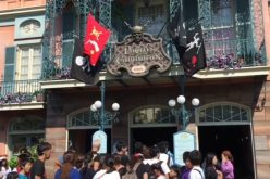 """Tokyo Disneyland: A look at the """"offensive"""" Pirates of the Caribbean"""