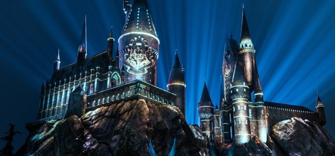 """The Nighttime Lights"" Return to Hogwarts Castle at Universal Studios Hollywood in March"