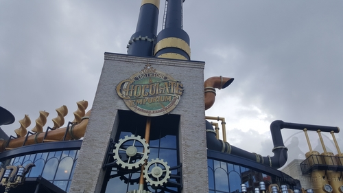 Behind The Thrills Toothsome Chocolate Emporium Soft Opens